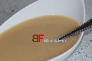 Püriert man den Blumenkohl im Topf, ergibt dies eine leckere Blumenkohlsuppe.
