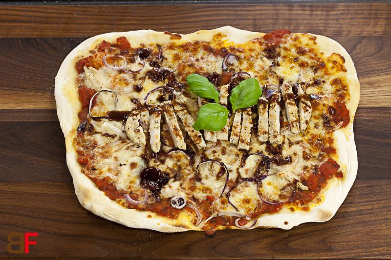 pizza chicken bbq einfache rezepte f r gl ckliche g ste. Black Bedroom Furniture Sets. Home Design Ideas