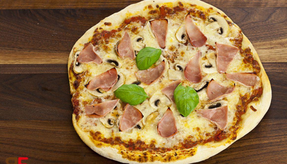 Pizza Schinken Pilze
