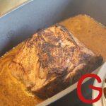 Das Fleisch in den Topf zurückgeben und mit Deckel oder Alufolie bedeckt im Backofen bei ca. 170°C ca. 50 bis 60 Minuten braten (je nach Dicke des Fleischstückes).