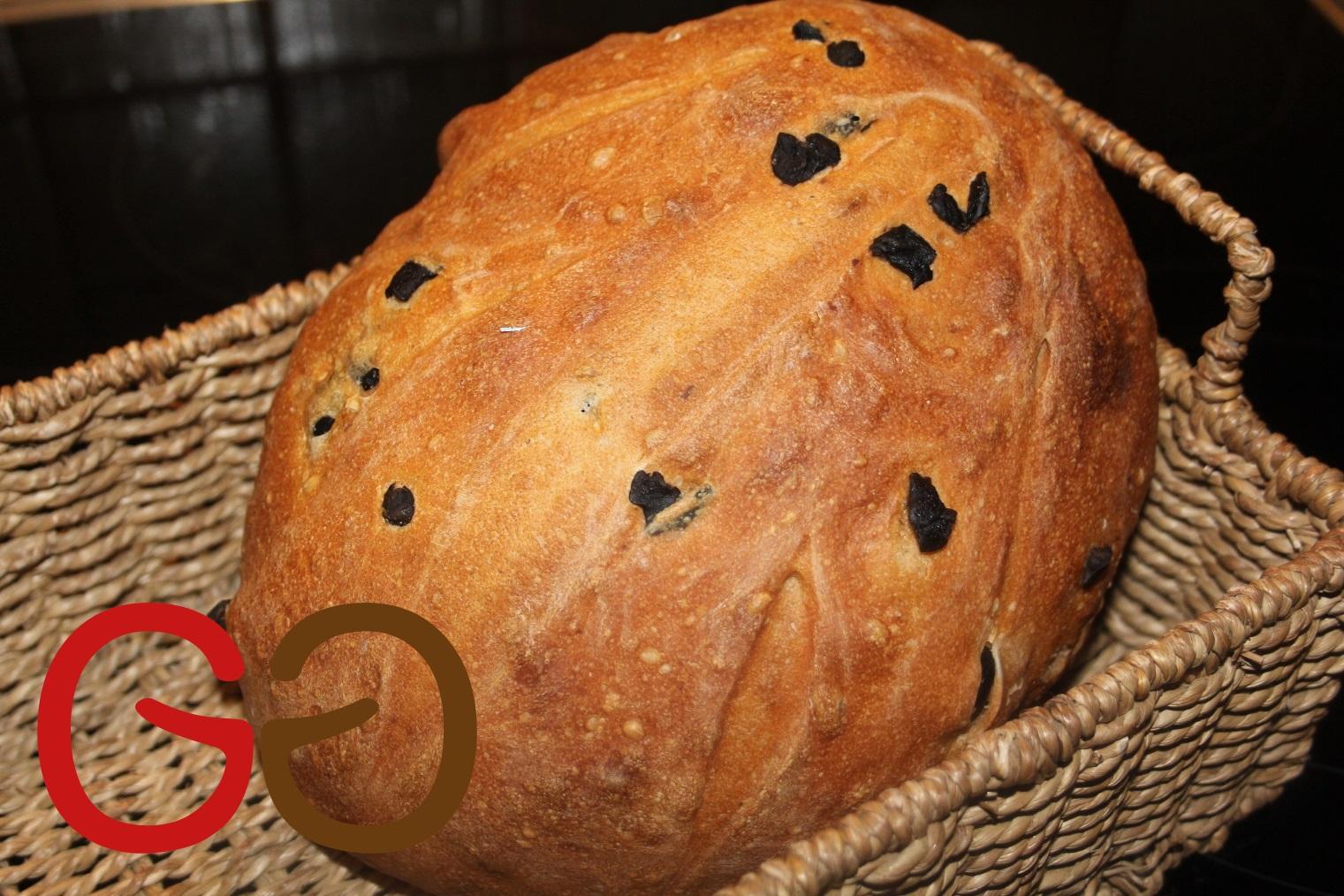 Dinkel-Oliven-Brot