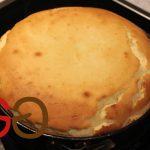Den Kuchen bei 160°C Umluft je nach Formdurchmesser ca. 70  bis 85 Minuten backen (siehe Tabelle oben).