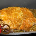 Rapsöl, Gemüsebasis und Indian Curry (alle für die Marinade) mit dem Pürierstab zu einer Curry-Marinade pürieren. Die Putenkeule rundum mit der Marinade bestreichen und 12 Stunden abgedeckt kühl stellen.